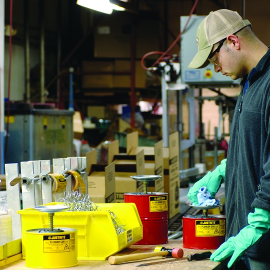 Plunjerkannen in gelakt staal - Protecta Solutions